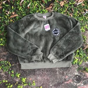 Juicy Couture Logo Patch Fur Pullover size L